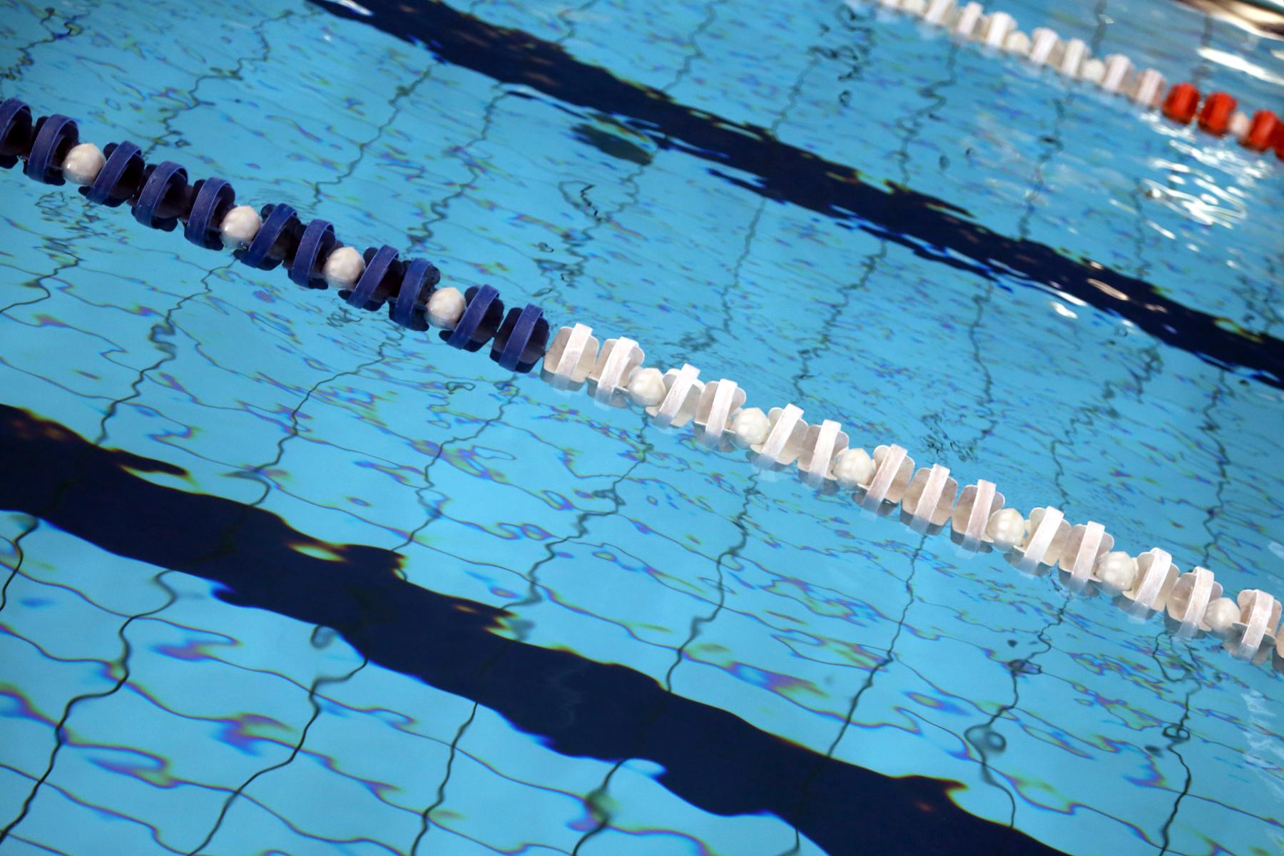 Skillelinje i badebasseng