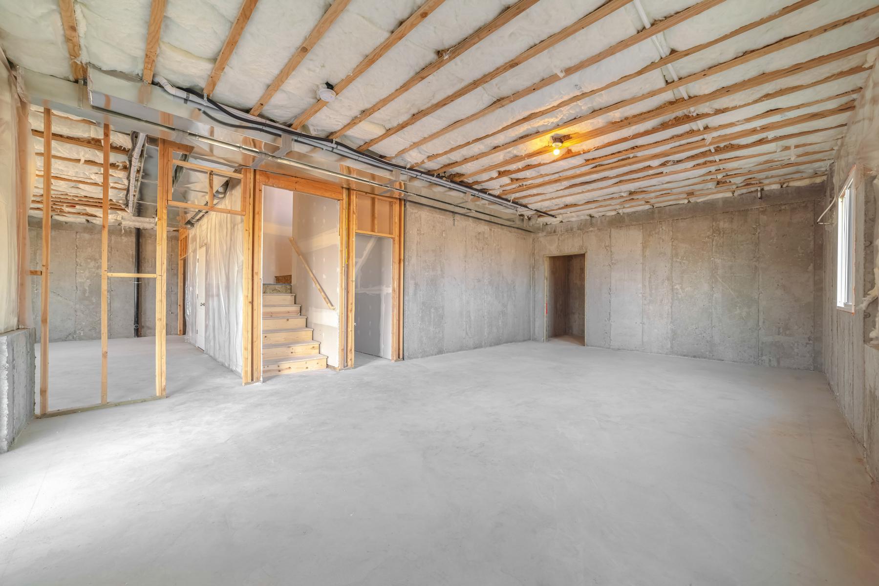 Rom under bygging innendørs