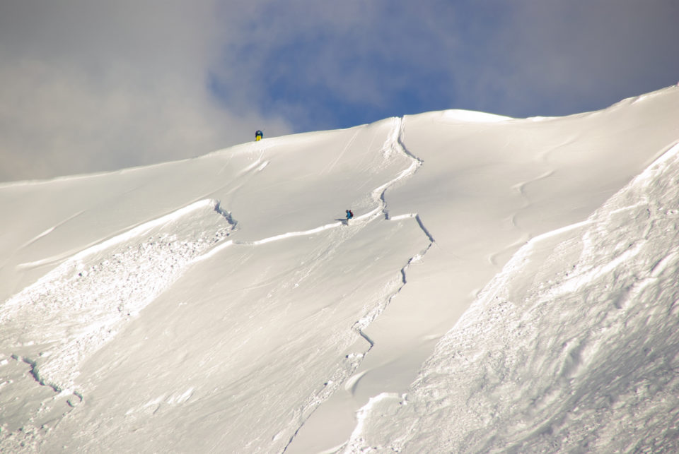 19119551-large-avalanche-set-by-skier